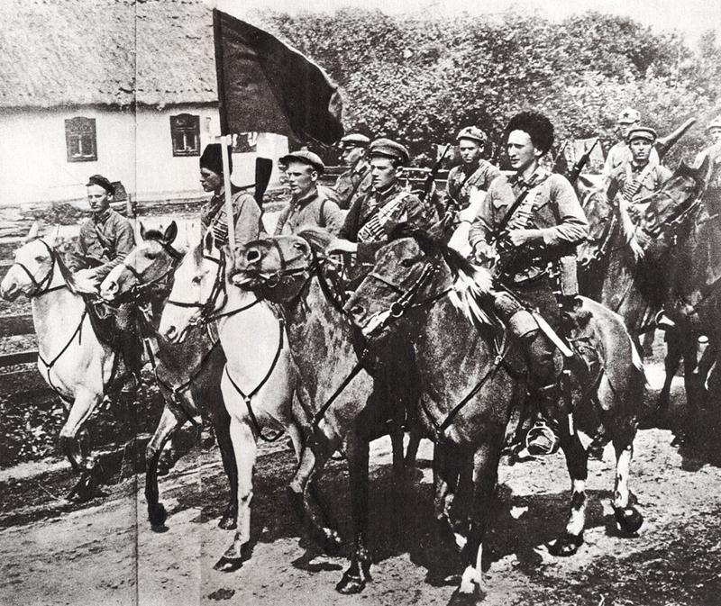 красная кавалерия входит в деревню
