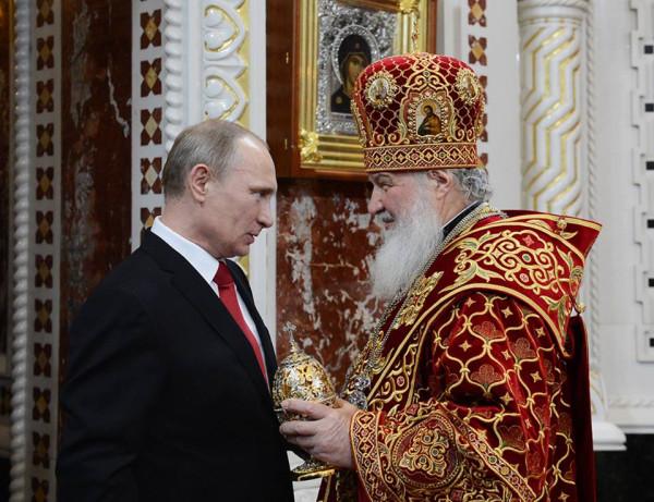 Владимир Путин поздравил православных христиан и всех граждан России, отмечающих Воскресение Христово