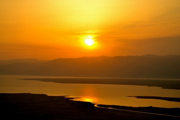 dead-sea-sunrise-700x467