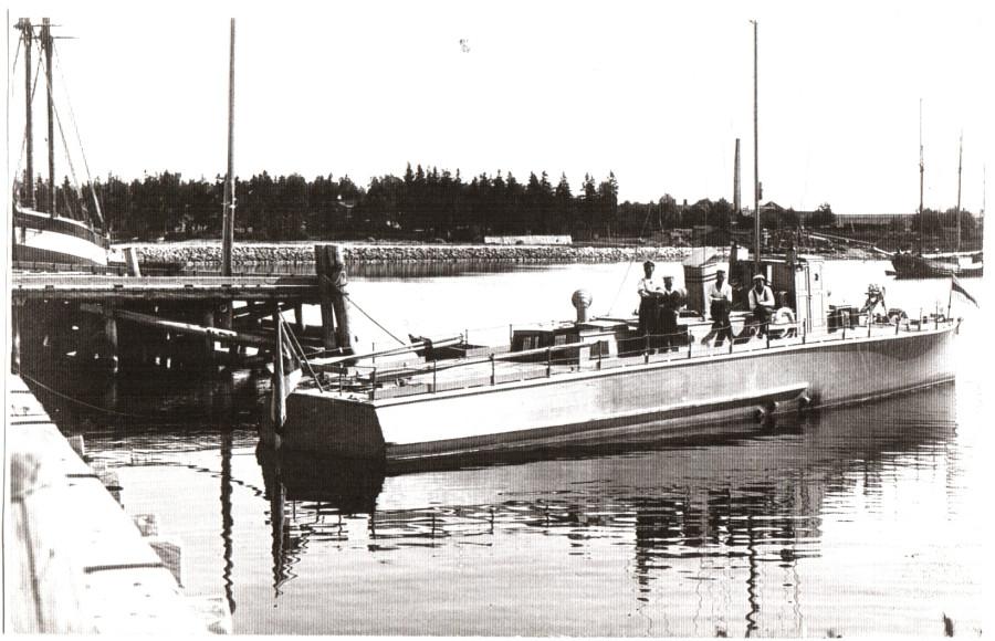 Mootorvahilaev (№2) в Локсе