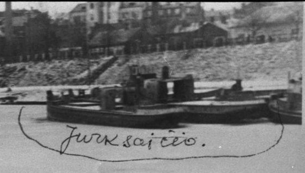 """Каунас 1941 год. """"Neris""""- """"Jurkšaičio"""" — ближним корпусом."""