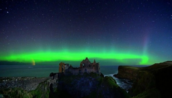 northern-lights-over-dunluce-castle-co-antrim-ireland-x-8845