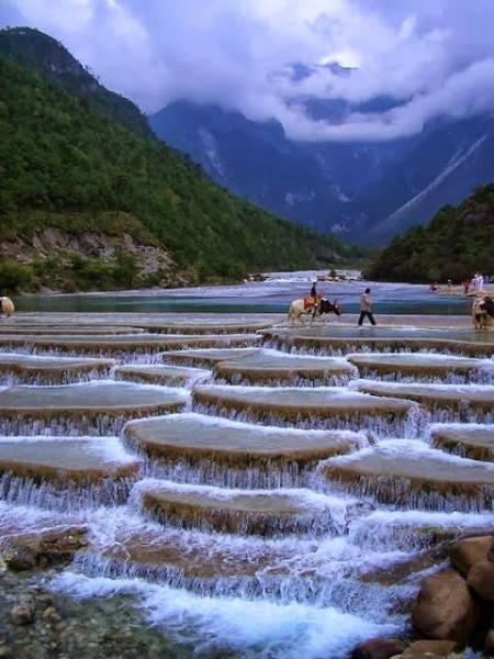 Blue Moon Valley, Lijiang China