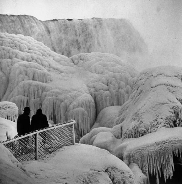 Frozen-Falls-11