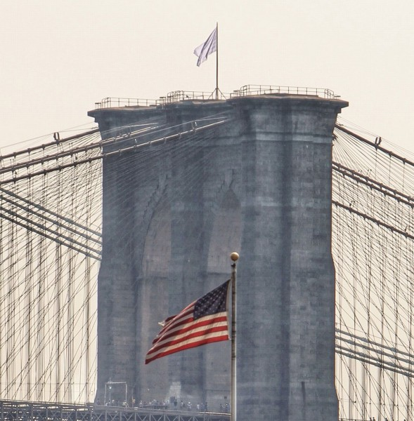 White-Flag-Brooklyn-Bridge-2