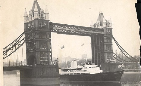 Tower Bridge 1960