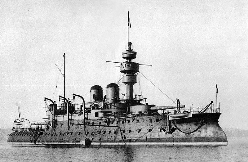 """Броненосец береговой обороны/2-го класса """"Бувинье""""."""