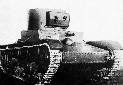 Телеуправляемые красноармейцы: танки-роботы