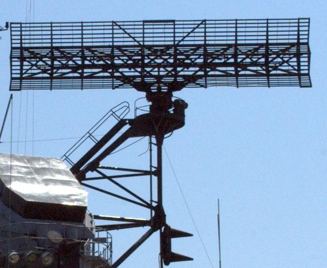 Двухкоординатная РЛС обнаружения воздушных целей AN/SPS-43.