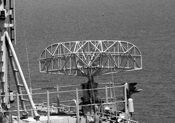 РЛС обнаружения надводных целей AN/SPS-10.