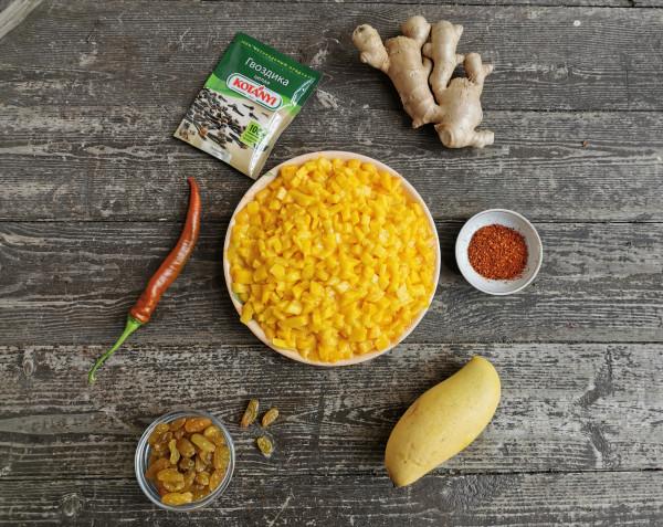 Чатни из манго, с имбирем и чили.