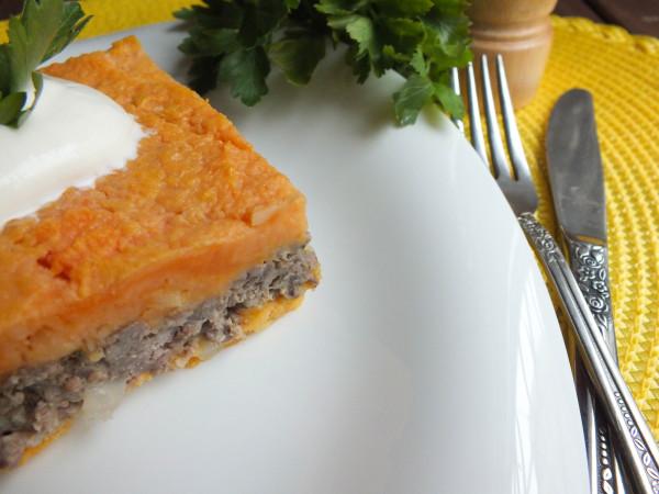 Картофельно-мясная запеканка с бататом и пастернаком