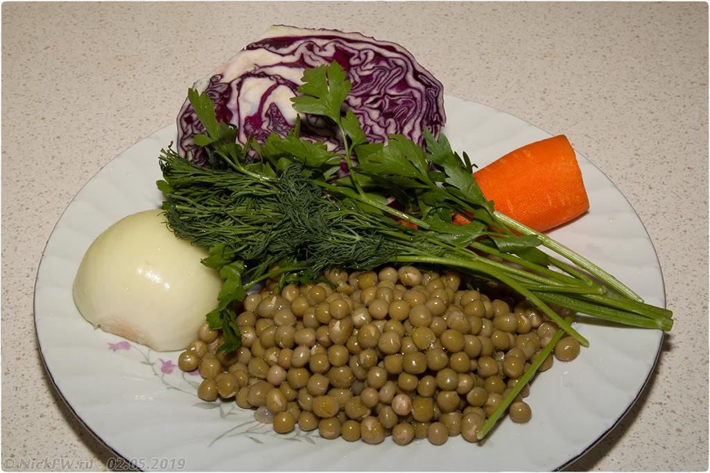 салат из краснокочанной капусты с горошком — ингредиенты © «Фото.дзен - NickFW.ru»