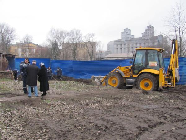 Незаконные работы в Дёминском саду 14 ноября-1