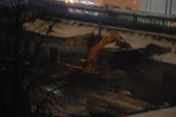Снос лицевого корпуса по Ставропольской 11.02.2014 2