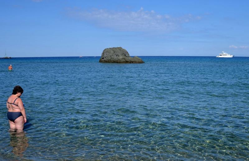 01 beach a.jpg