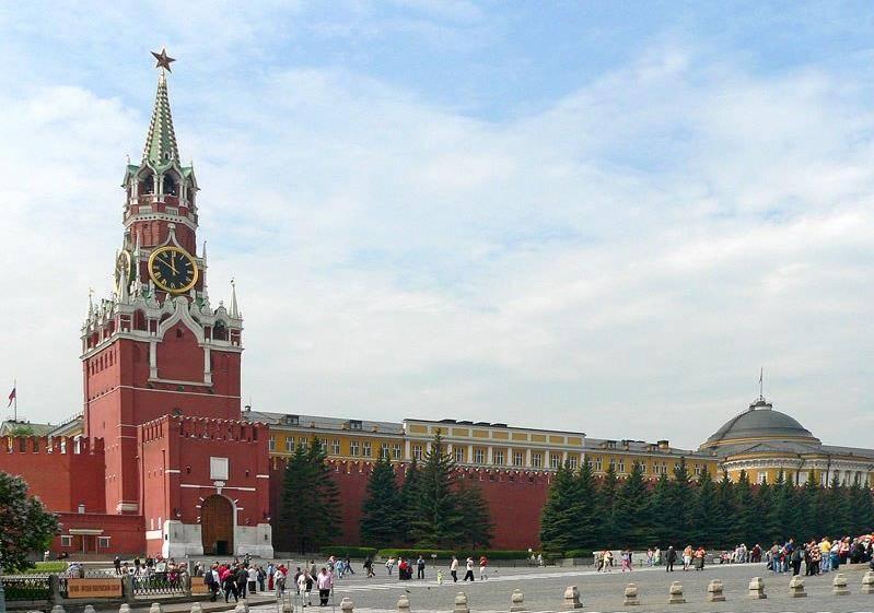 Спасская-башня-московского-кремля-Москва-Россия-фото.jpg