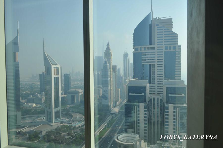 панорамный вид с 51 этажа в отеле Radisson Royal
