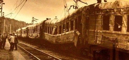 Сгоревшие вагоны
