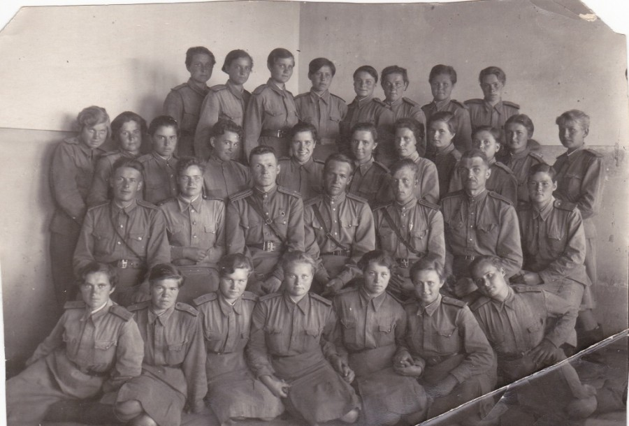 Курсанты Военного авиационного училища перед отправкой на фронт