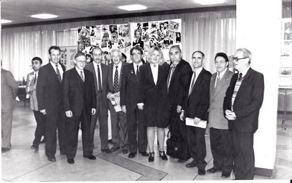 Равиль Гареев с коллегами-журналистами.