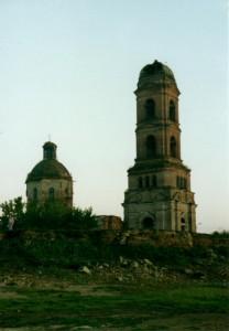 Разрушенный храм в Николо-Березовке