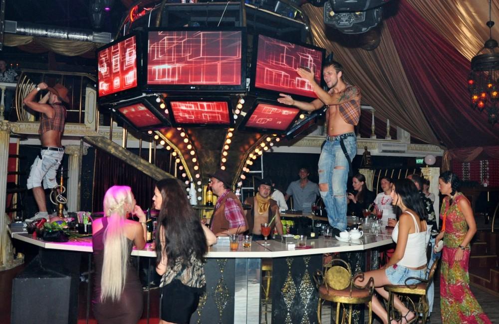Ночной клуб циркус сочи клубы и кафе и москвы