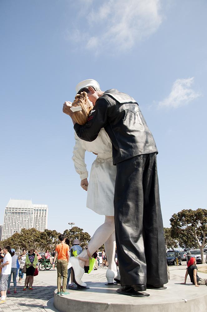 kissing sailor back lj