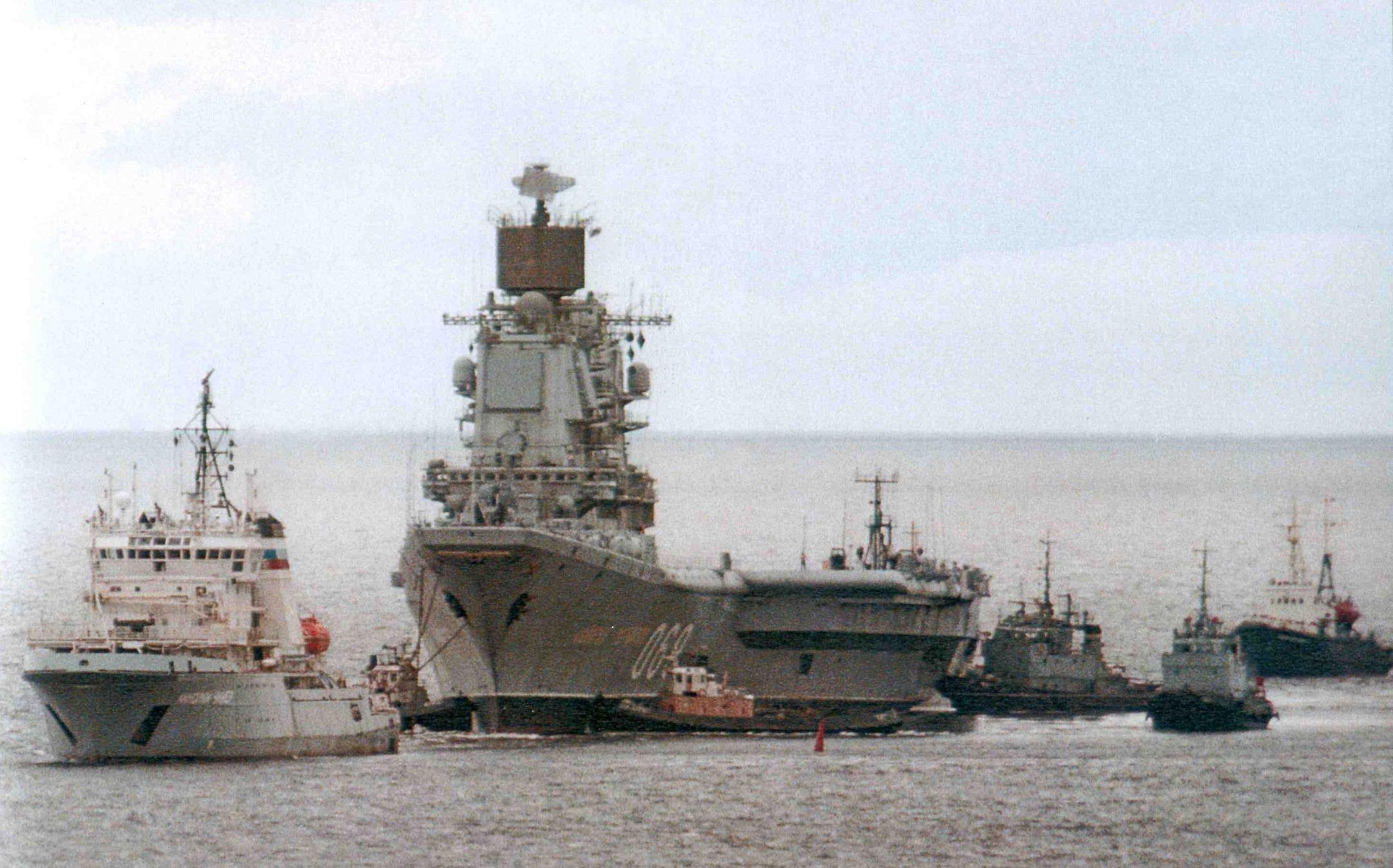 Тяжелый авианесущий крейсер. Пр.11434. «Адмирал Горшков». - 12 Переход на Севмаш_июль 1999