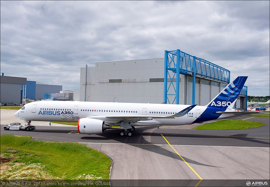 A350_XWB_out_of_paint_shop_4