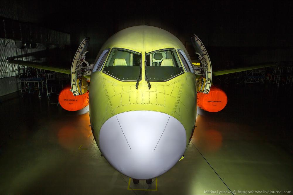 SSJ100 100 06