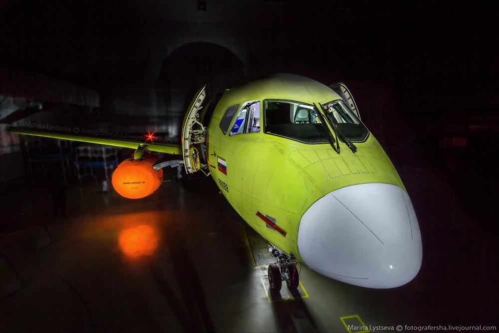 SSJ100 100 09