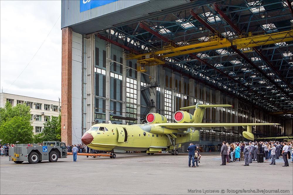 Сегодня впервые показали первый модернизированный Бе-200ЧС Be200 24