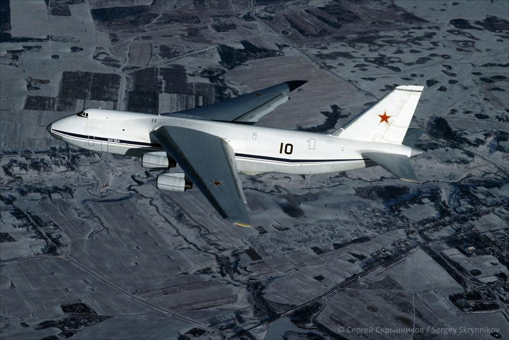 An-124-100 002