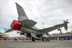 F16 B BIAS 0002