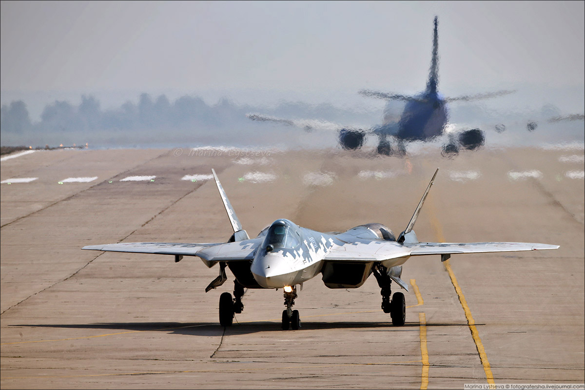 Su-57_01