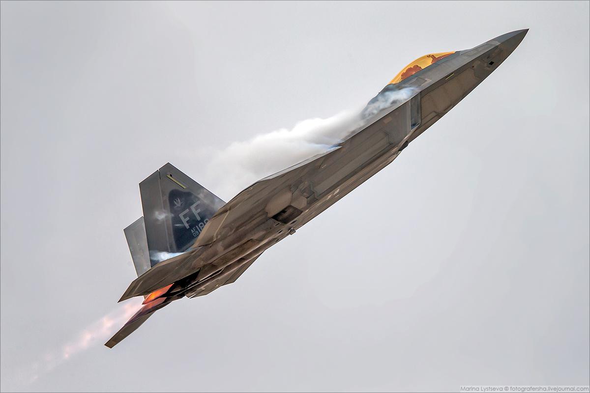 F22 06