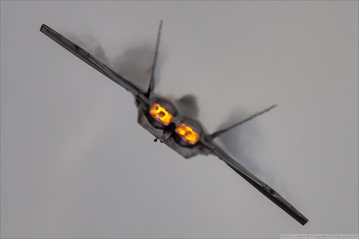 F22 09