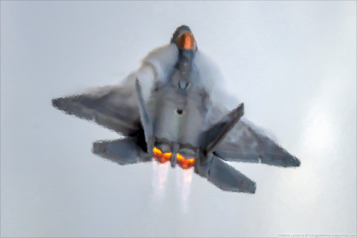 F22 11