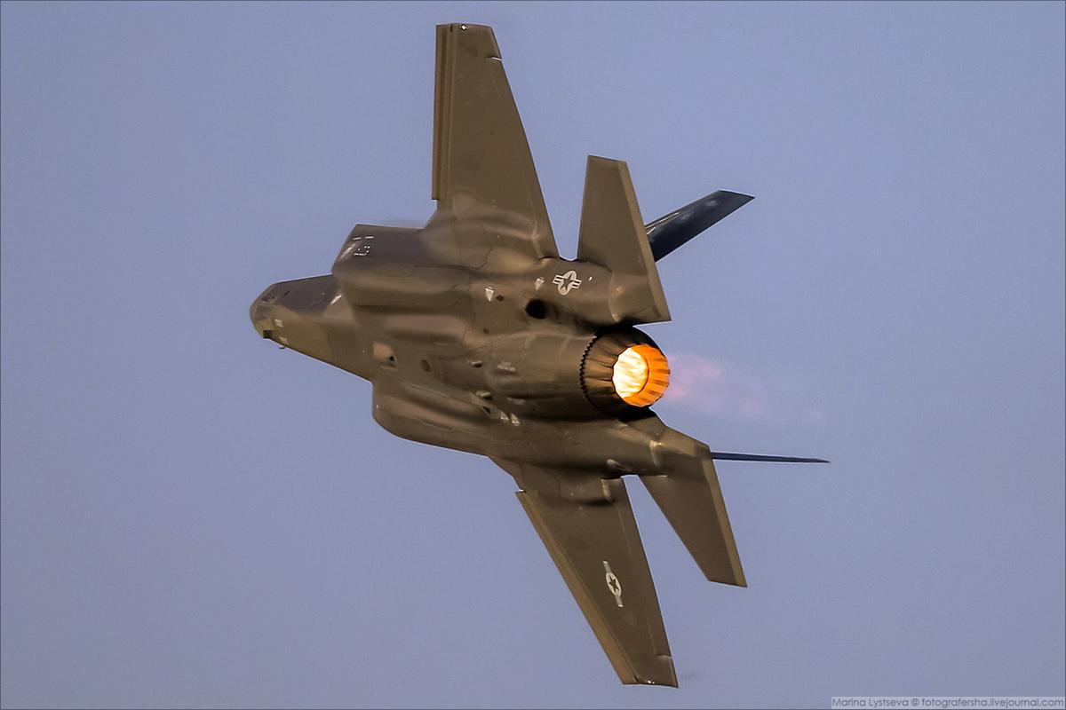 F35 02