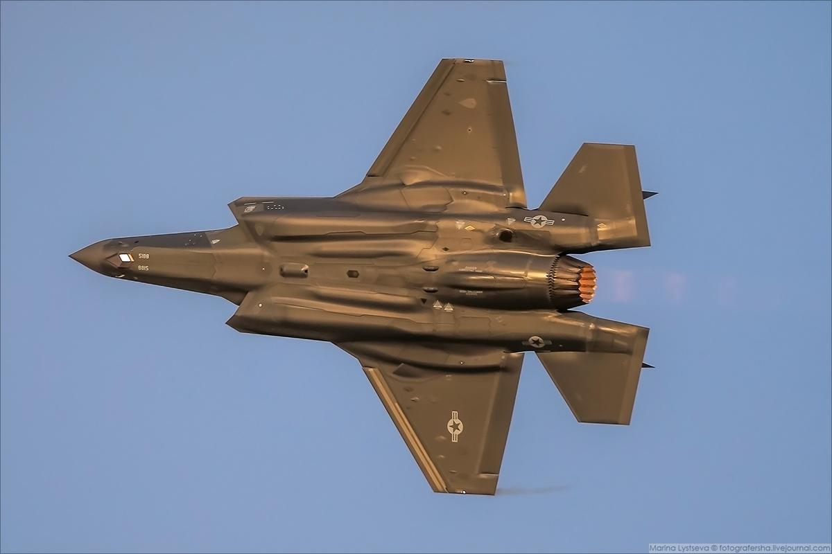 F35 03