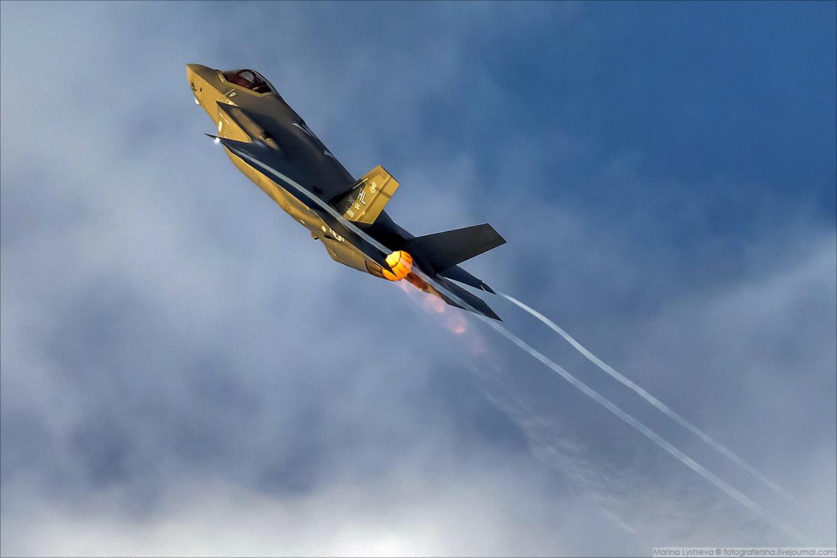 F35 08