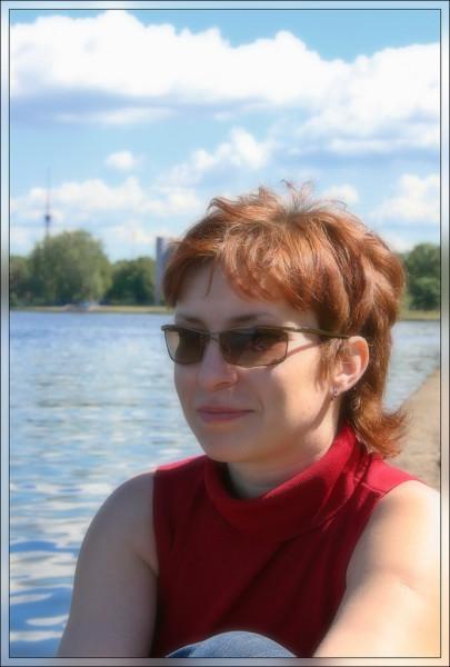 W4cqHRbJrfY-2006