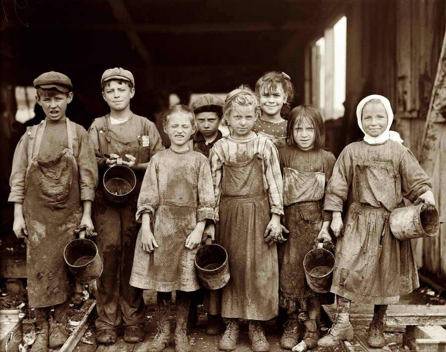 lewis-hine-child-labor-lil-shuckers-1912