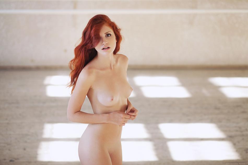 rizhaya-besstizhaya-erotika-devushki-konchayut-i-pisayut-v-porno