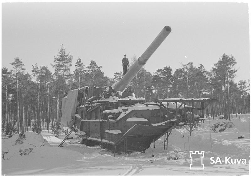305-мм железнодорожная артиллерийская установка-транспортер ТМ-3-12