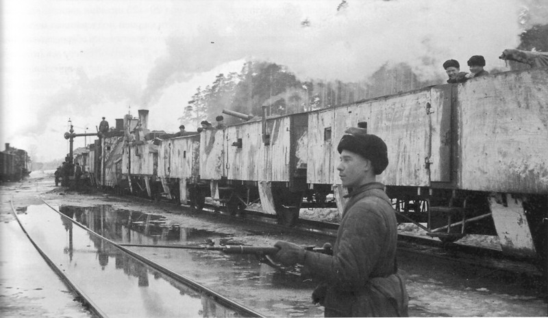 Советский бронепоезд № 8 на станции Лебяжье