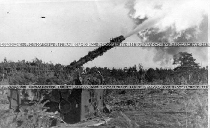 Залп 12-ти дюймового орудия на форте Красная горка