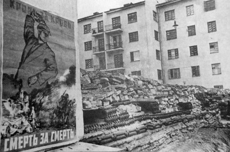Баррикады на улицах города за Нарвской заставой