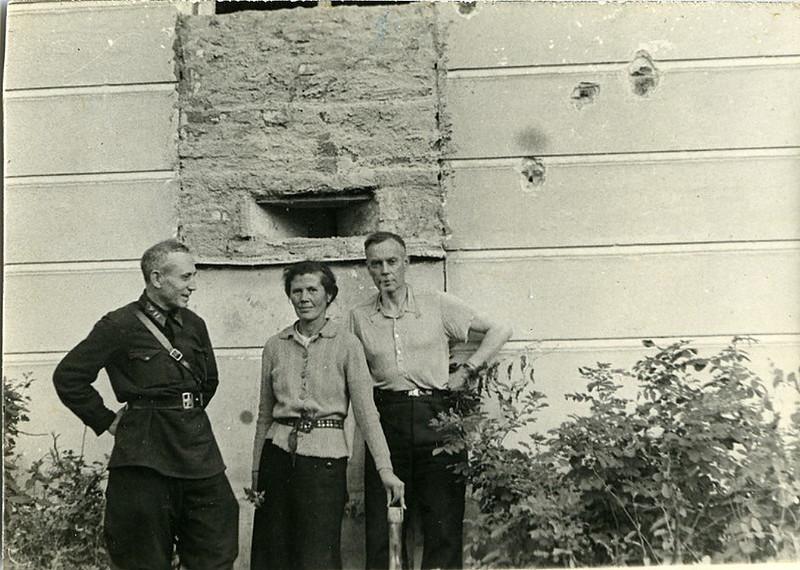 Амбразура в стене Ленинградского Физико-технического института. 1942 год.